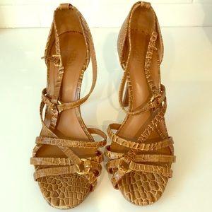 Tory Burch heels 8.5